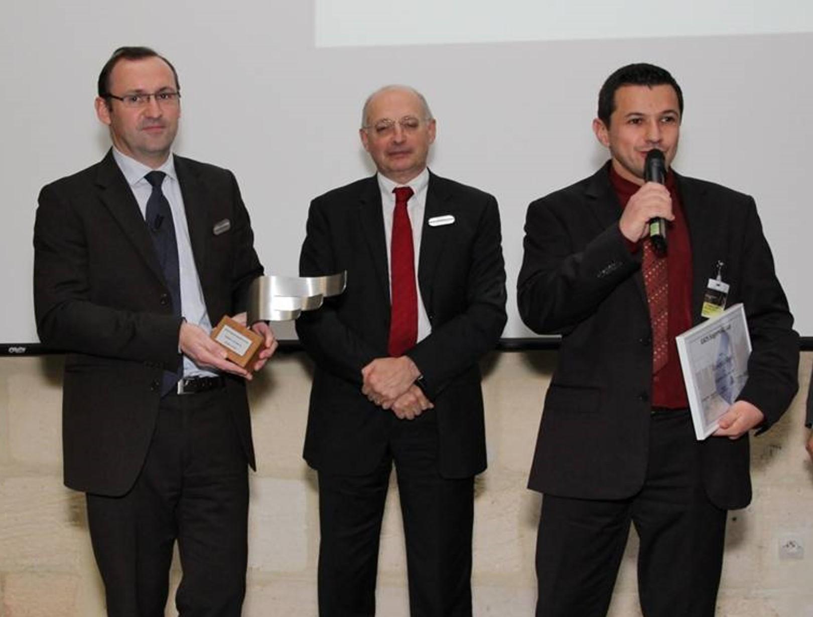 LAUAK « Fournisseur de l'année 2011 » par EADS SOGERMA