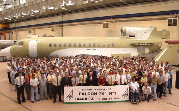 2004 - Livraison du premier fuselage de Falcon 7X de DASSAULT AVIATION